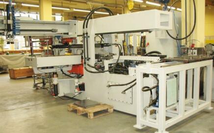 Body Maker - maszyna do produkcji korpusów katalizatorów