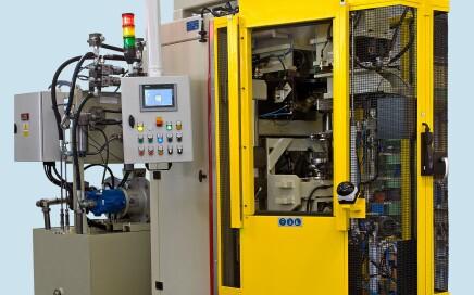 Maszyna do zamykania korpusów amortyzatorów - widok z przodu