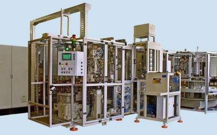 Linia do automatycznego montażu amortyzatorów - widok z przodu